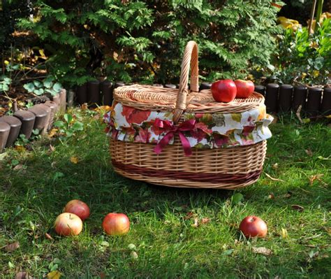 Handmade Picnic Baskets - handmade picnic baskets and accessories handmade