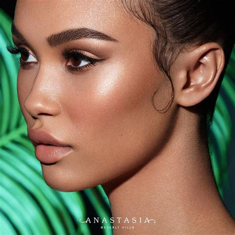 glow in the paint cyprus 25 best ideas about contouring brown skin on