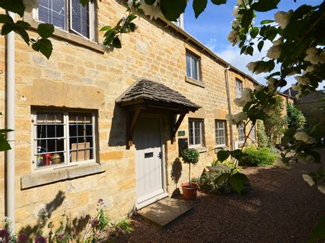 Cottages In Broadway by 2 Bedroom Cottage In Broadway Friendly Cottage In
