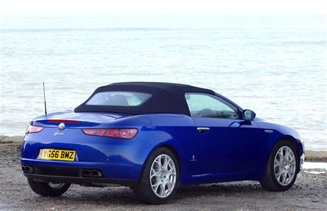alfa romeo spider convertible 2007 2010 photos parkers