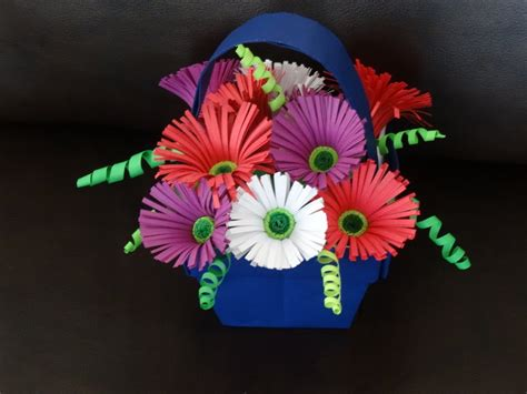 How To Make Flower Basket With Paper - part i how to make quilling flower basket