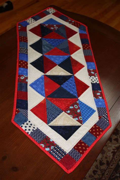 patriotic table runner quilted things