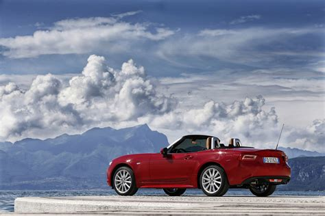 fiat spider 2016 fiat sold out 124 spider anniversary edition