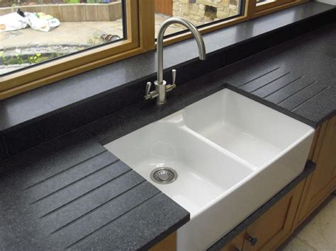 Fensterbank Corian by Nero Impala Honed Granite With Belfast Sink Drainer