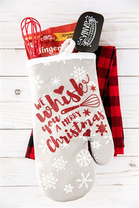 holiday baking oven mitt gift teacher christmas gifts handmade christmas gifts diy christmas