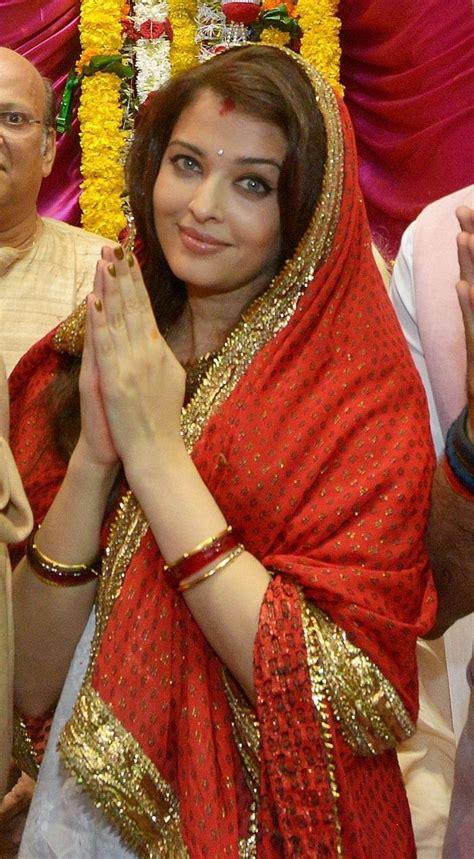 pin by amita sharma rai on ganpati pinterest ganesh aishwarya rai bachchan was the picture of domestic