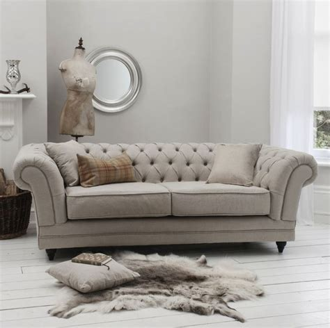 chesterfield sofa living room 25 best ideas about chesterfield living room on
