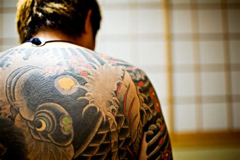 35 artistic yakuza tattoo designs creativefan
