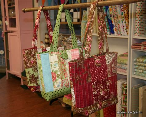 Free Patchwork Patterns For Bags - free pattern for the easy quilted tote bag as promised
