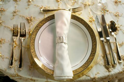 Christmas Dinner Table Centerpieces - 35 inspiring dining room decorating ideas