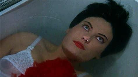 Underwater Bathtub Girls Fashionable Murder La Dolche Vita And Bava S Blood