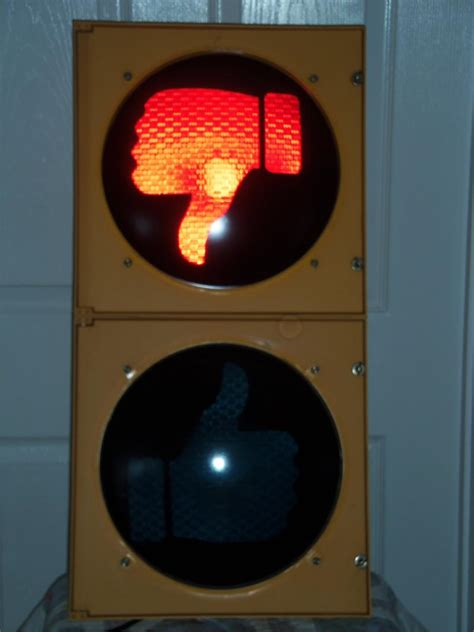 lights when closed traffic light with open closed lenses