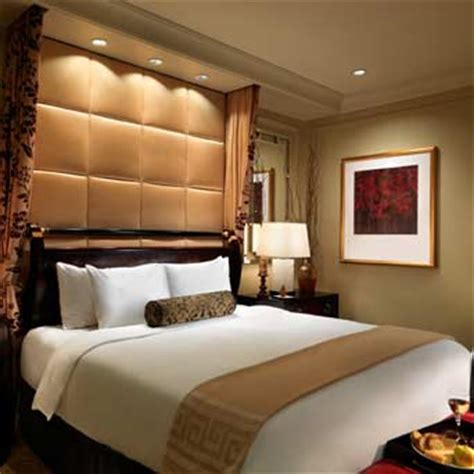 5 bedroom suites in las vegas venetian vs palazzo las vegas differences and which is