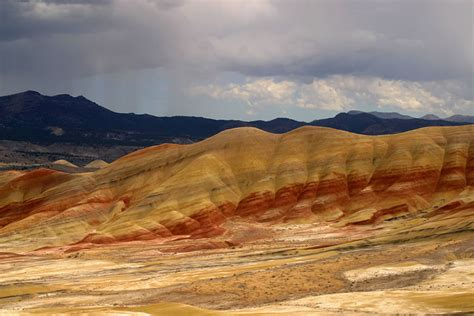 john day fossil beds national monument mind blowing kaleidoscope of colors at painted hills 50
