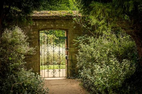 Walled Gardens On Aboutbritain Com The Walled Gardens