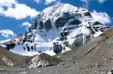 himalayas tibet mount kailash a holy mountain to hinduism tibetan
