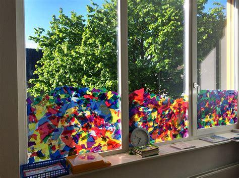 Herbstdeko Fenster Grundschule by Die Fr 252 Hlings Fenster Deko Entsteht Grundschule