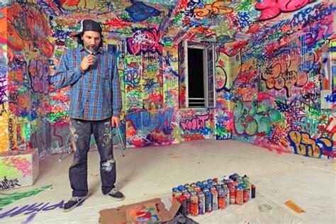 graffiti room colorful bedroom decorating ideas by graffiti artists hotel au vieux panier