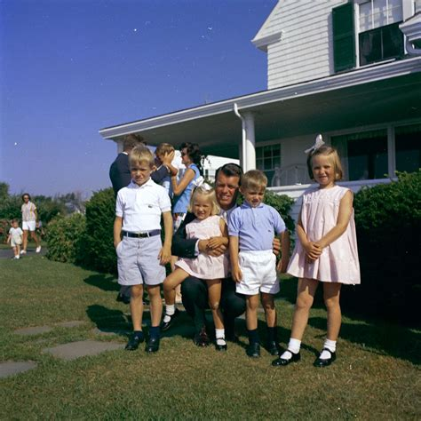 kid friendly biography of john f kennedy weekend at hyannis port departure via helicopter and