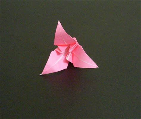 Origami Lilly - origami 3 petal