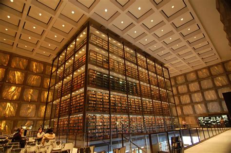 Library Of 28 most spectacular libraries around the world hongkiat