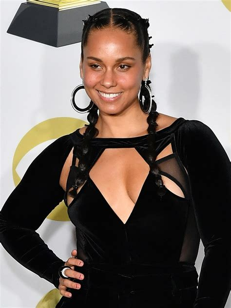 alicia keys hot  sexy pictures    hottest