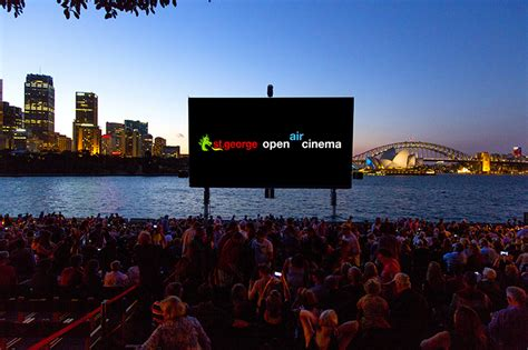 Open Air Cinema Botanical Gardens Sydney Things To Do In Sydney Date Ideas Places In Sydney
