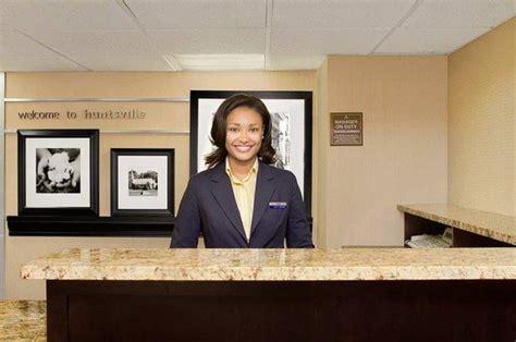 front desk picture of hton inn huntsville huntsville