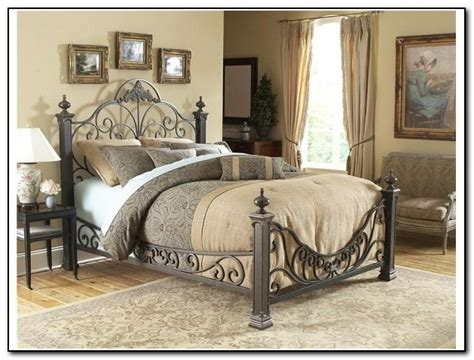 Rod Iron Bedroom Furniture Wrought Iron Bedroom Sets Home Design