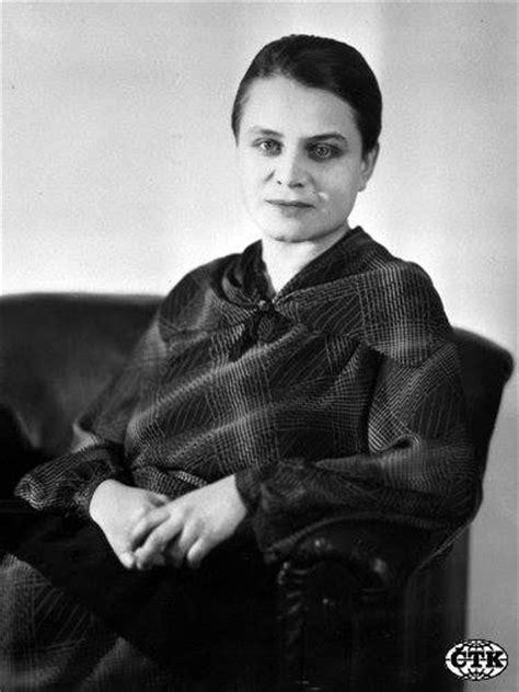 Lather, Foam and Froth: Marie Čermínová/Toyen, 1902 - 1960