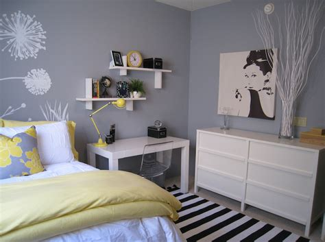 yellow and gray bedroom contemporary bedroom benjamin - Grey And Yellow Bedroom Decor