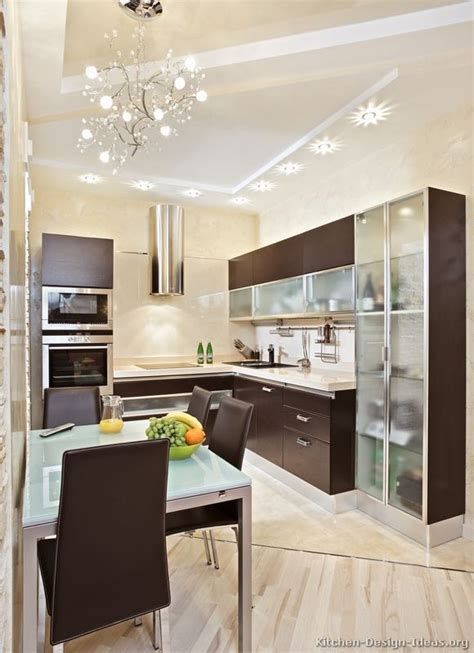 Modern Kitchen Cabinets For Small Kitchens A Small Kitchen Design With Modern Wood Cabinets