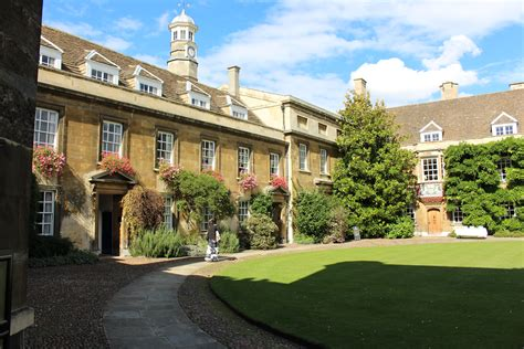 Lovely The First Church In History #7: Christ%27s_College,_Cambridge_-_First_Court_03.JPG
