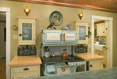 retro kitchen design ideas vintage kitchen cabinets decor ideas and photos