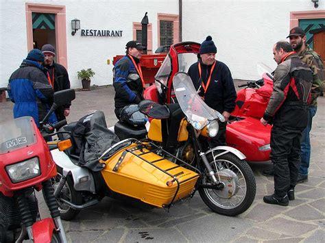 Motorrad Gespann Zieht Nach Rechts by Zweirad Rallye Motorsport Motorr 228 Der Gespanne