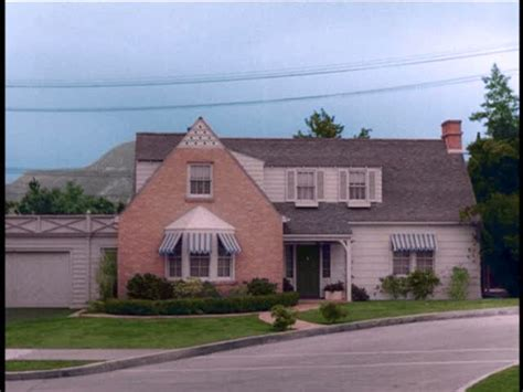 the bewitched sitcom tv house in the movie bewitched a quot bewitched quot house 1164 morning glory circle