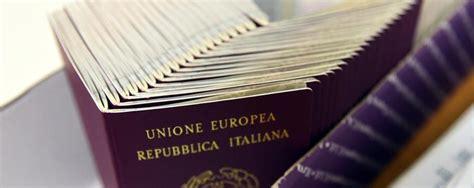 ufficio passaporti treviglio passaporti emergenza rientrata in 8 mesi pi 249 40 26mila