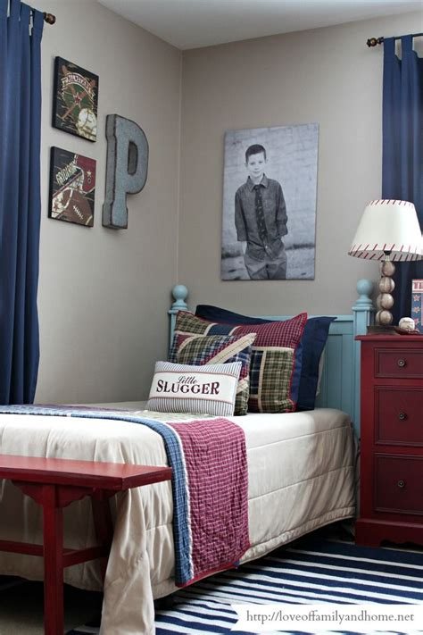 boys sports bedroom best 25 sports themed bedrooms ideas on pinterest 10939 | 7e4ba3e4586b8678a88972629023bf42 baseball themed bedrooms shared bedrooms