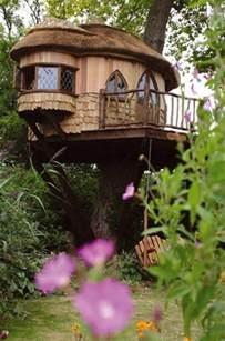 baumhaus im garten ein baumhaus f 252 r kinder im garten bauen n 252 tzliche tipps