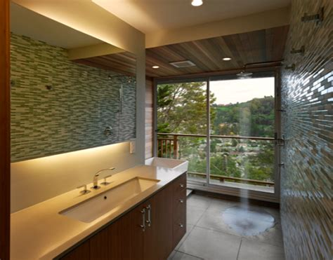 The Pros And Cons Of Open And Closed Showers Freshome Com Open Shower Bathroom