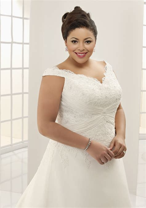 Wedding Hairstyles For Hair Plus Size by Plus Size Brides