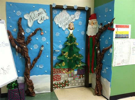 apartment door christmas decorating contest ideas events activities and club 171 kofa avid