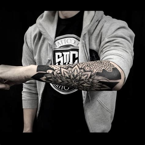 tattoo geometric blackwork blackwork tattoo google search tats pinterest