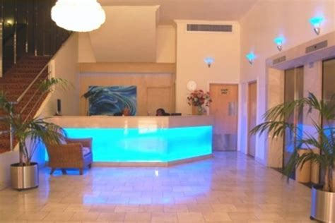 Customer reviews of Albany Hotel, Durban, South Africa