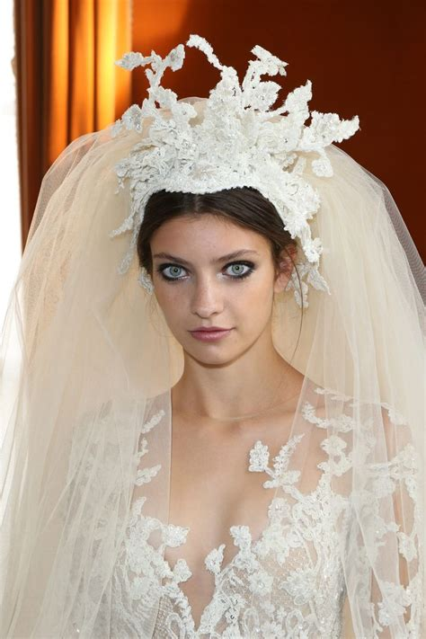 bridal hairstyles with veil and tiara 239 best wedding veils tiaras images on pinterest