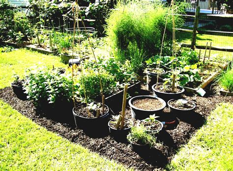 Garden Amp Landscaping Creative Container Vegetable Garden Ideas