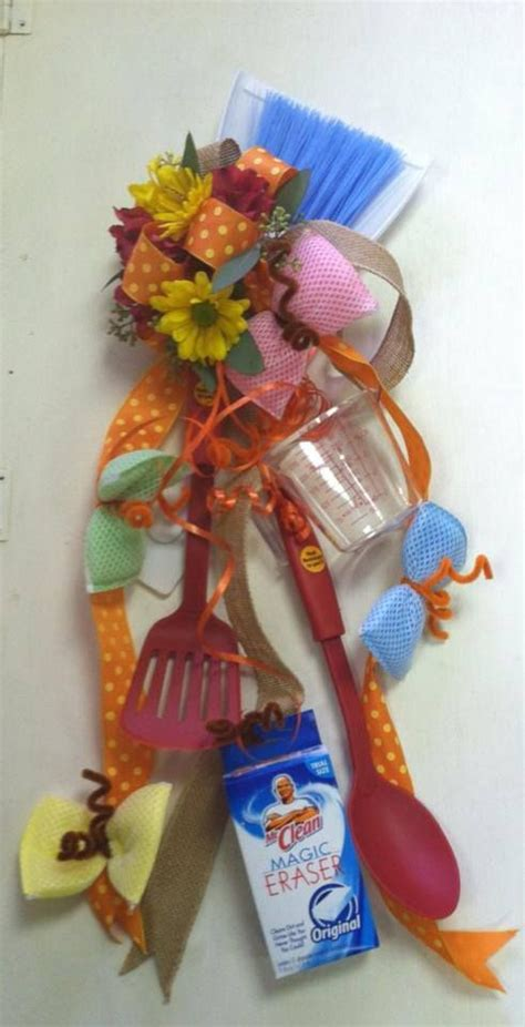 bridal shower corsage ideas 22 best images about corsages for kitchen showers on