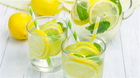 Danette May Lemon Detox by 5 Amazing Things Happen When You Drink Lemon Water