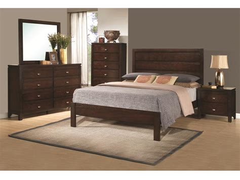 4 Pc Bedroom Set by Classic 4 Pc Wooden Bed Dresser Mirror Nightstand