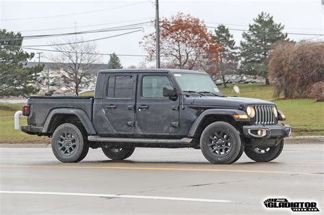 2020 jeep gladiator overland 2020 jeep gladiator black jeep review release
